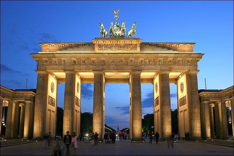 Durant la guerre froide en Allemagne, dans quelle partie  La porte de Brandebourg  se situait-elle ?