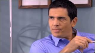 Comment s'appelle le père de Violetta qui se fait passer pour Jeremias ? Et qui joue son rôle ?