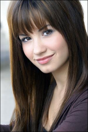 En 2012, Demi s'est jointe à la version américaine du concours musical télévisé The X Factor. Il s'agissait alors de la...
