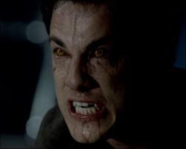 En quoi Klaus transforme-t-il Tyler ?