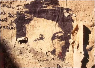 Qui est la  voix off  du court-métrage intitulé  Rimbaud, l'éternité retrouvée , sorti en 1982, évoquant le poète à partir d'un montage d'images et de photos sur un rythme musical afro-jazzy ?