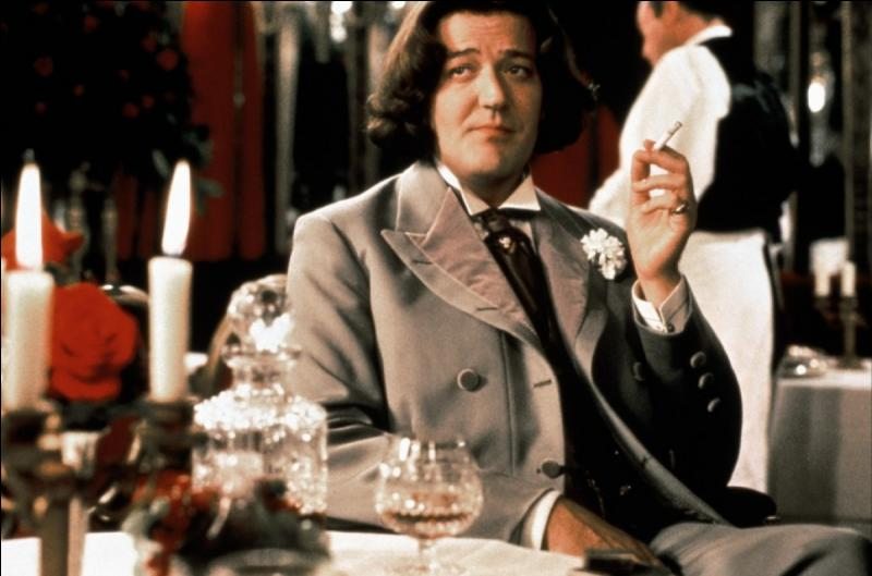 Quelle est la nationalité d'Oscar Wilde, dont la biographie romancée sortit sur les écrans en 1997, avec Stephen Fry dans le rôle titre ?