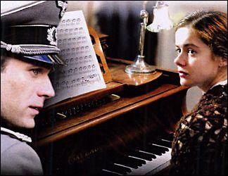 Quel est le morceau de musique que joue l'Allemand parfois ?