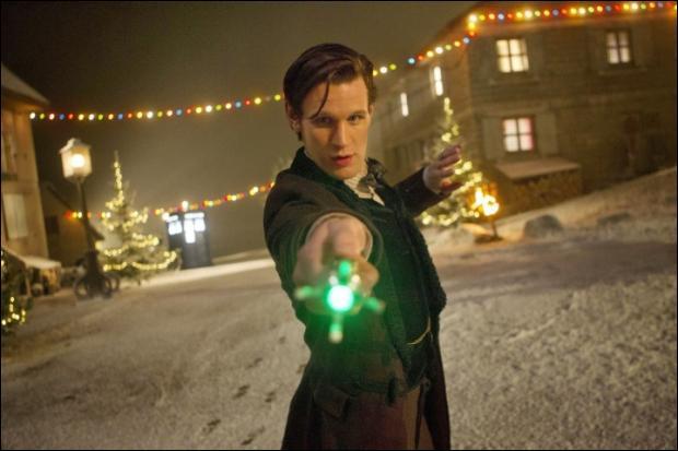 Même épisode. Qui y avait-il au dîner de Clara pour Noël ?