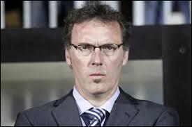 Et pour finir , quel est l'entraîneur officiel du Paris Saint-Germain ?