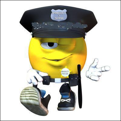 Lui, c'est pareil, cependant il arrête surtout des criminels. Bonjour, à ce... !