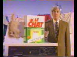 Que met Alain Chabat dans la machine dans ''Le Chat Machine'' ?