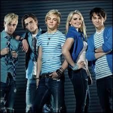 Quel est le nom de leur album sorti en France le 7 avril 2014 ?