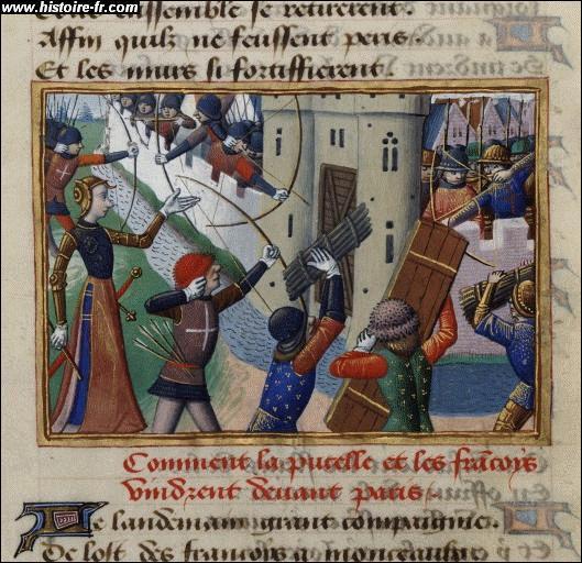 Nous sommes en l'an 885, la ville de Paris est assiégée, c'est donc le célèbre  Siège de Paris . Qui sont les agresseurs ?