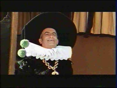 Il est Don Salluste, ministre du roi d'Espagne, cupide, collecteur des impôts. Dans quel filmest-ce ?