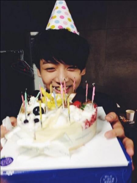 Lorsque les membres lui avaient fait une caméra cachée pour son anniversaire, comment avait-il réagit ?