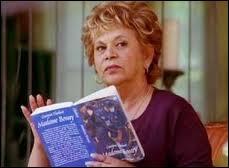 Quelle est l'actrice qui joue la mère de Carlos (Mama Solis, Juanita) ?