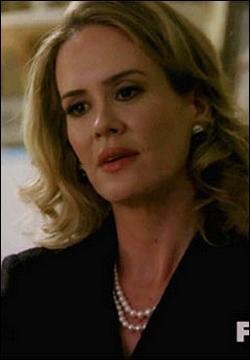 Quel est le métier de Billie Dean que consulte régulièrement madame Langdon ?