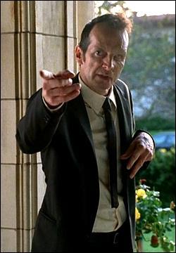 Comment se nomme celui qui fut l'amant de Madame Langdon (Jessica Lange) ?