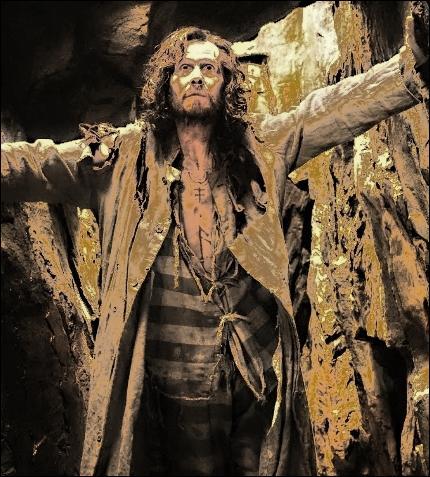 Sirius Black, l'homme le plus recherché de la planète, joue la carte de la discrétion en...
