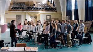 Pourquoi s'inscrit-elle aux cours de chorale dans les matières optionnelles ?