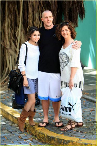 Comment s'appellent les parents de Selena ?