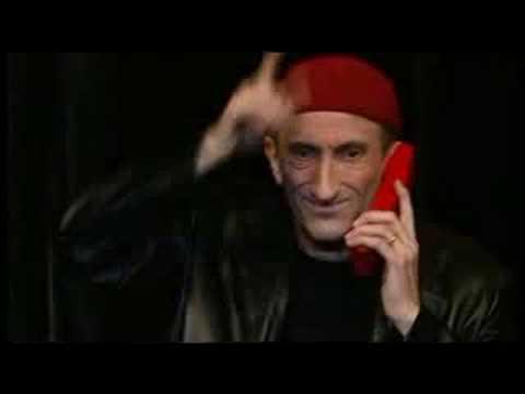 Dans son sketch sur le téléphone rose, Jean-François Derec se fait connaître de Déborah sous le nom de ...