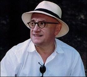 """Qui est cet acteur français ? Un indice, il était l'inoubliable Jean-Claude Dusse dans la saga """"Les Bronzés""""."""