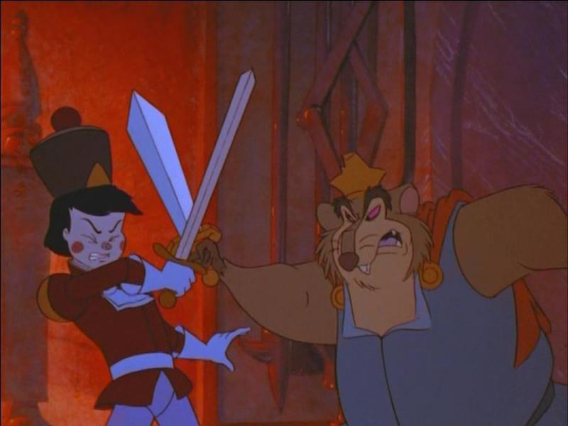 Pourquoi le Roi des souris ne parvient pas à tuer Casse-Noisette ? Comment Casse-Noisette met-il le Roi des souris hors d'état de nuire ?