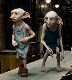 Dans le premier tome où Dobby apparaît, il empêche Harry et Ron d'aller à l'école. Comment fait-il ça ?
