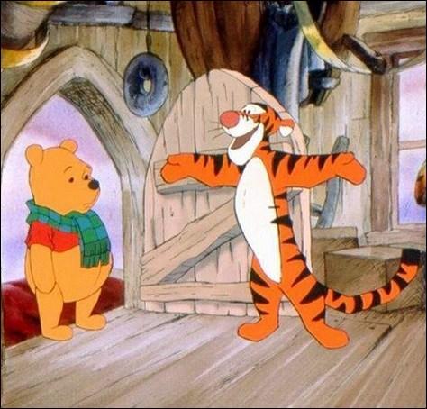 """C'est une photo tirée du dessin animé """"Les Aventures de Winnie l'Ourson"""", que vois-tu sur cette photo ?"""