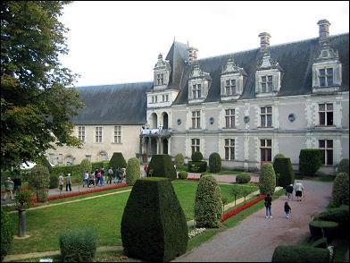 Dans quelle région, peut-on visiter le château de Châteaubriant ?