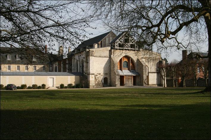 Dans quelle région, peut-on voir l'abbaye de Valmont ?