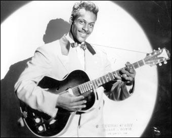 En 1958, Chuck Berry raconte l'histoire largement autobiographique d'un garçon de la campagne qui 'jouait de la guitare comme s'il avait toujours su en jouer'.