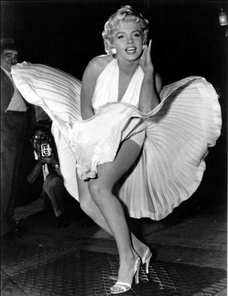 1973, 1997. Deux versions pour cette chanson composée par Elton John en l'honneur de Marilyn Monroe et en hommage à la princesse Diana !