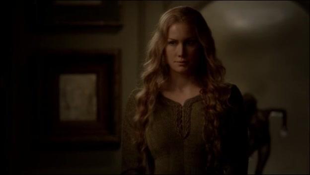 Avec le sang de quelle personne Esther mélangea-t-elle le vin qui transforma sa famille en vampire ?