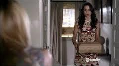 Dans l'épisode 12, les liars reçoivent des colis de A, un cercueil avec une poupée Mona, une boite contenant une scie, ainsi que...