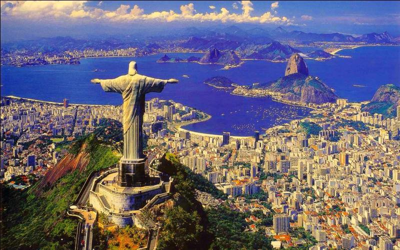 La finale sera disputée le 13 juillet 2014 à l'Estádio do Maracana, dans l'ancienne capitale du Brésil. Quelle est cette ville connue pour sa plage de Copacabana, le Pain de Sucre et le Christ Rédempteur, statue dominant la ville du haut du Corcovado ?