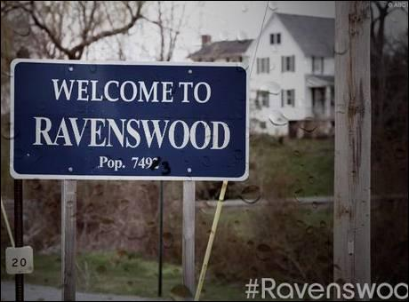 Qui a quitté Rosewood pour rester à Ravenswood ?