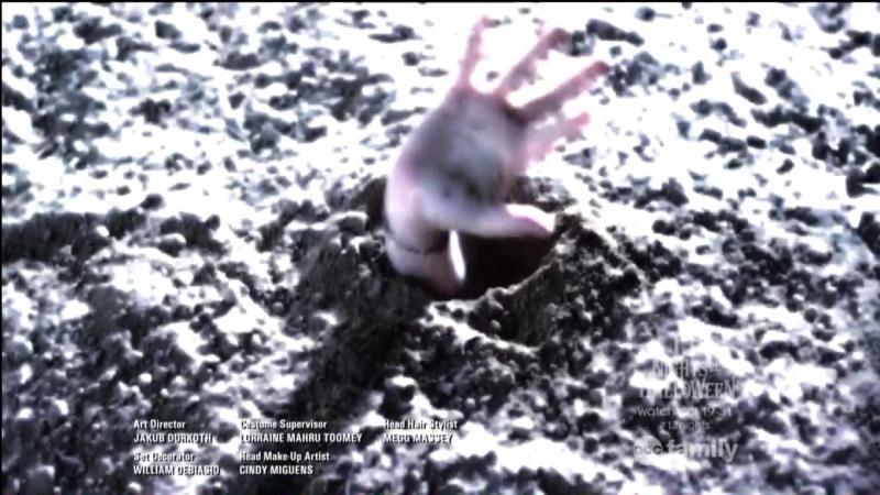 Qui se fait enterrer à la fin du dernier épisode de la saison 4 ?