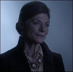 Qui est Carla Grunwald pour Alison ?
