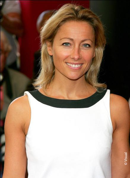 Comment s'appelle cette femme qui est sur France 5 ?