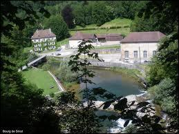 Le village Jurassien de Bourg-de-Sirod se trouve en région ...