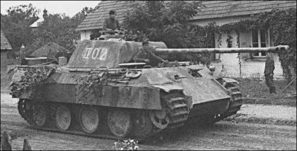 Quel était le principal défaut du char Panzer V Panther lors de sa mise en service en 1943 ?