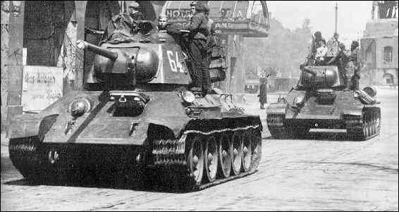 Quel était la vitesse moyenne du célèbre T-34 sur route ?