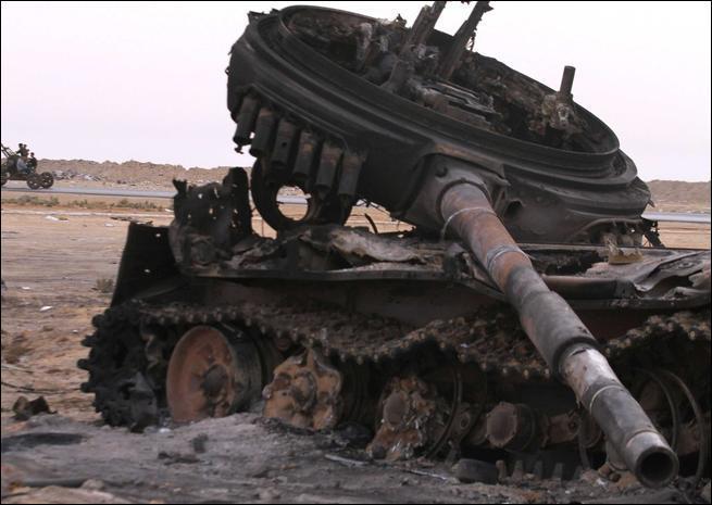Quel était le problème le plus fréquemment rencontré par les chars, sur champ de bataille ou pas, et qui nécessitait que l'équipage sorte du véhicule pour effectuer les réparations ?