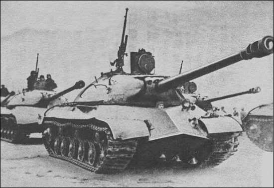 Quel fut le facteur principal qui permit aux blindés russes de finir par l'emporter sur les divisions blindées du Troisième Reich vers la fin du conflit ?