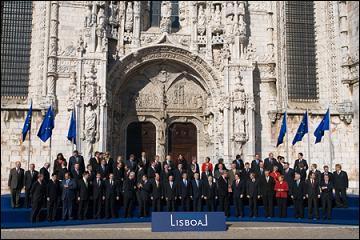 De quels traités signés au préalable le Traité de Lisbonne est-il une révision?