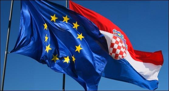 Combien l'Union européenne comptait-elle de membres au 1er juillet 2013?