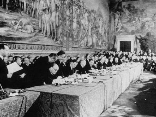 Le 25 mars 1957, la Communauté économique européenne naît et devient effective dès le 1er janvier 1958. Chargée d'élargir la coopération économique entre les pays ayant signé le Traité de Paris dans un premier temps, quel est le nom du traité qui lui a donné naissance?