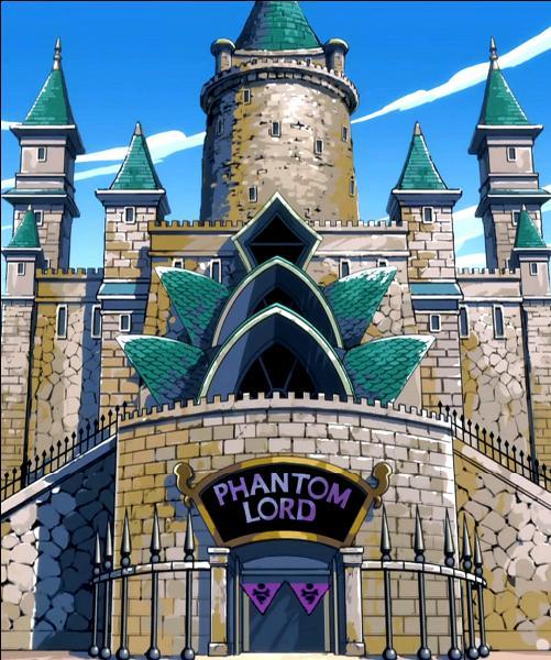Durant la bataille contre Phantom Lord, Erza dit à toute la guilde de se replier car le maître est dans un sale état, mais Natsu ne part pas avec la guilde mais dans une autre direction (avec un mage de Phantom Lord avec lui). Pourquoi ?