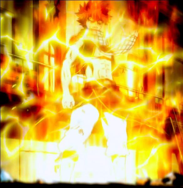 Quel est l'enchaînement d'attaques que lance Natsu à Luxus pour le vaincre ?