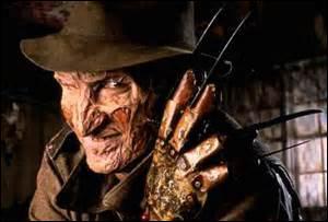 Le reconnaissez-vous ? Celui qui tue les enfants, dans leur cauchemar, de son gant armé de griffes acérées ? Il est le tueur en série de...
