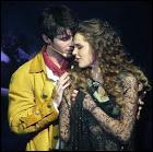 À la fin de quelle chanson s'embrassent-ils ?