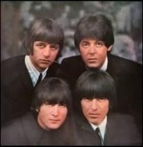 """Les Beatles lui font une déclaration d'amour enflammée, et lui déclame même en français """"Ma belle"""" :"""